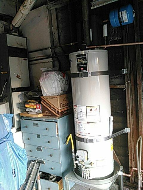 Culver City, CA - Install hot water heater.