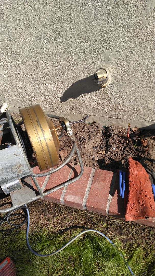 San Fernando, CA - Ucloged drain for the kitchen and free inspection report