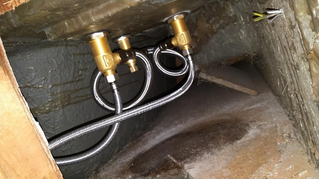 Compton, CA - New bath tub valve/ isolation valves install