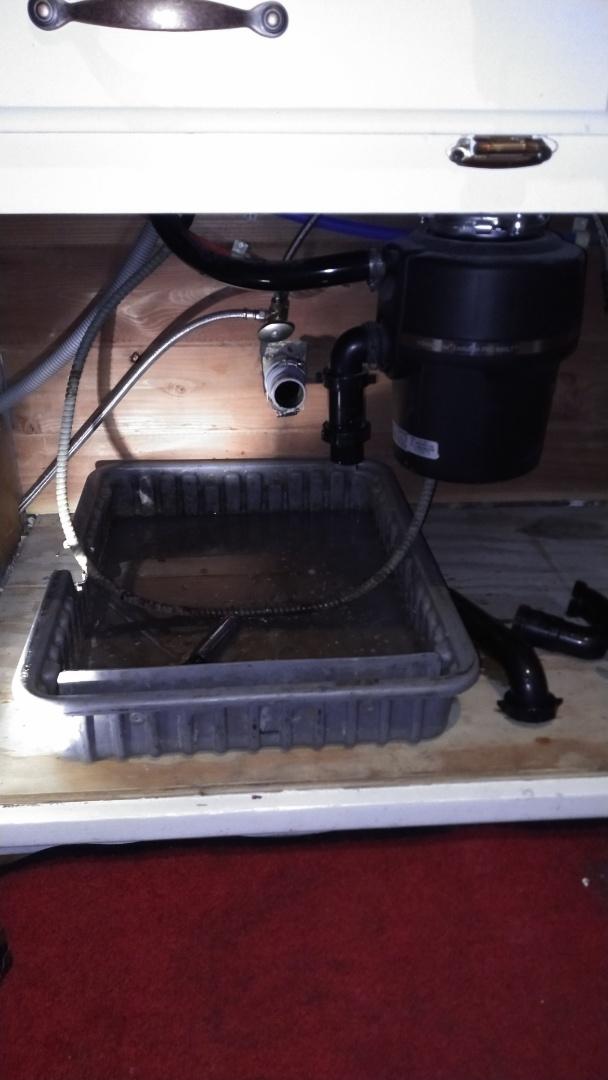 Azusa, CA - Kitchen sink stoppage/wash/mach stop