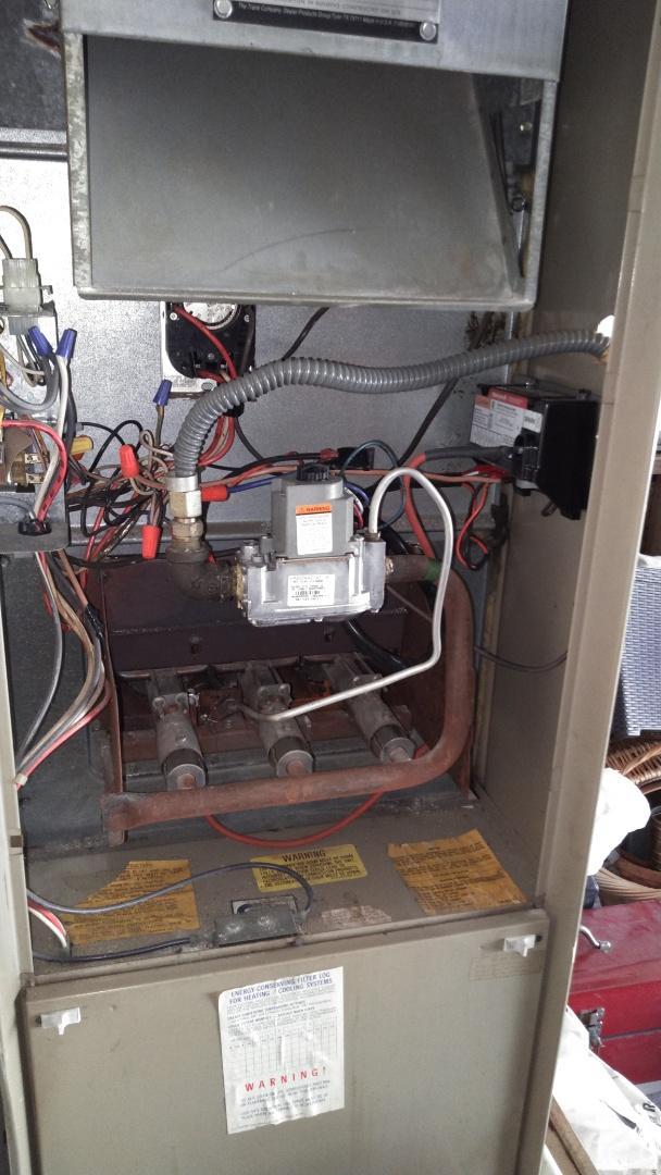 San Dimas, CA - Fixed upflo fernec with new has valve module controller