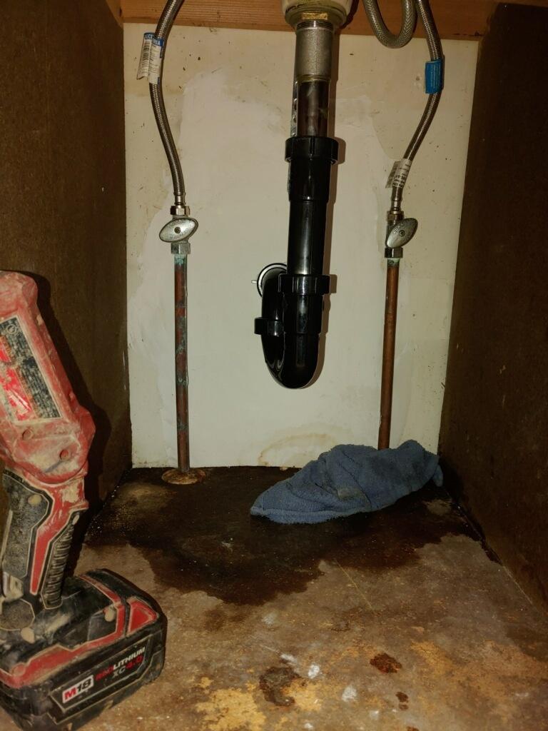 Inglewood, CA - Kitchen Sink Drain Stoppage