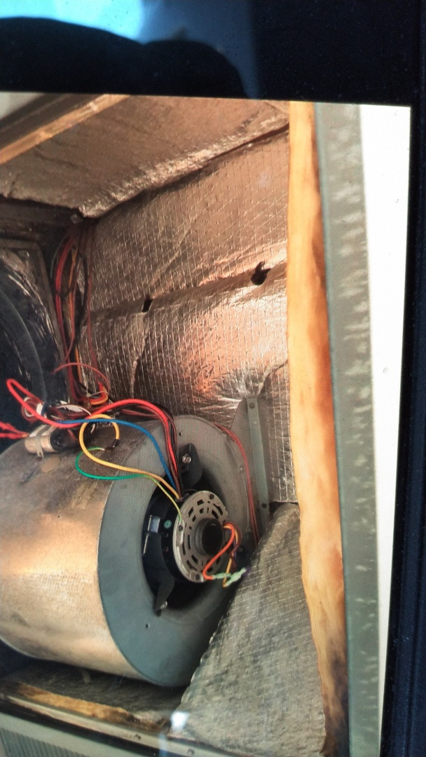 Azusa, CA - Repaired A/C rooftop package unit new blower motor installed
