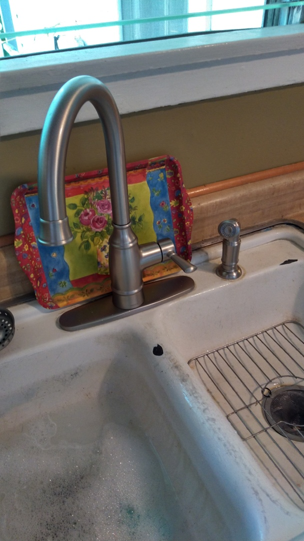 Temple City, CA - Remove and replace new kitchen sink faucet