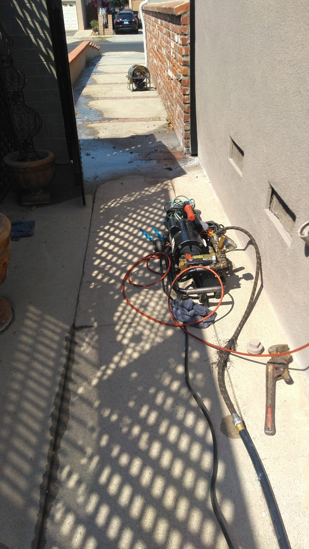 Los Angeles, CA - Hydro jettimg drains for kitchen and wash mach