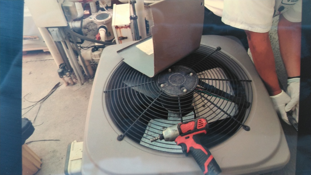 A/C freon recharge.