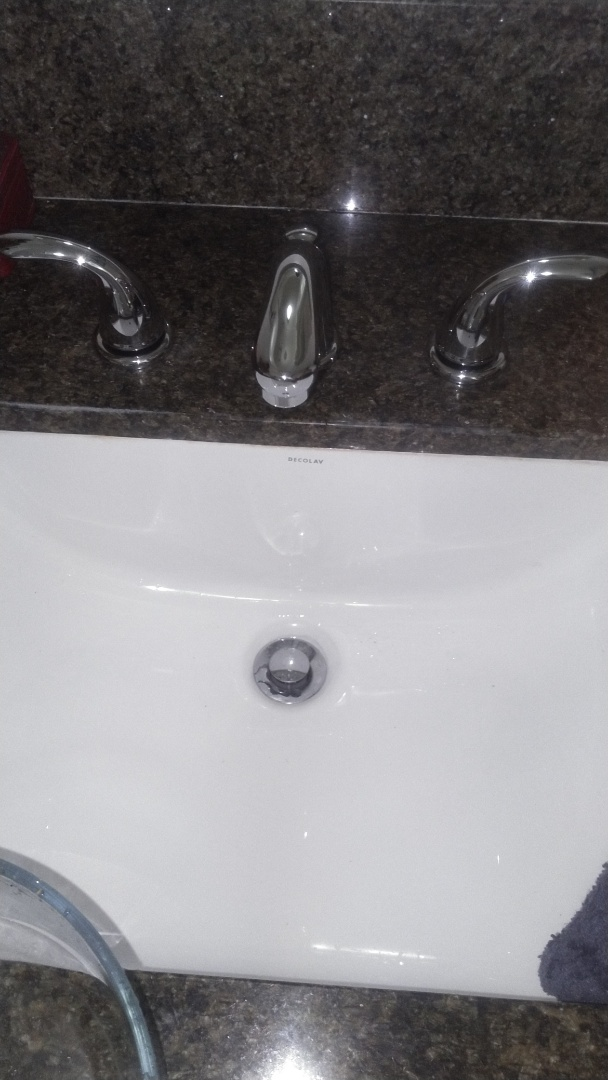 Glendale, CA - Replaced lav faucet