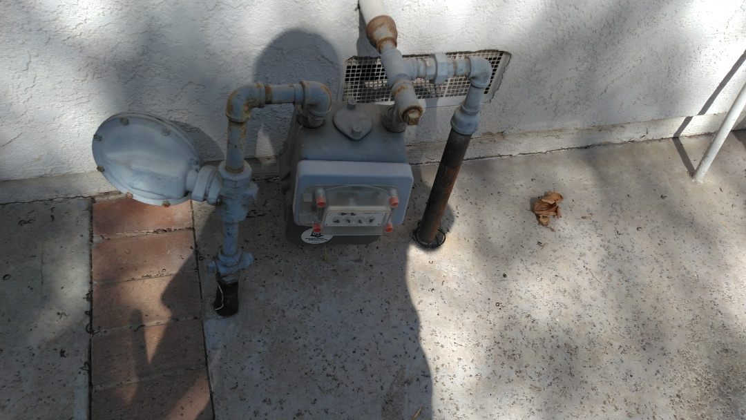 West Covina, CA - Inspected gas line going towards back pool heater no problems found