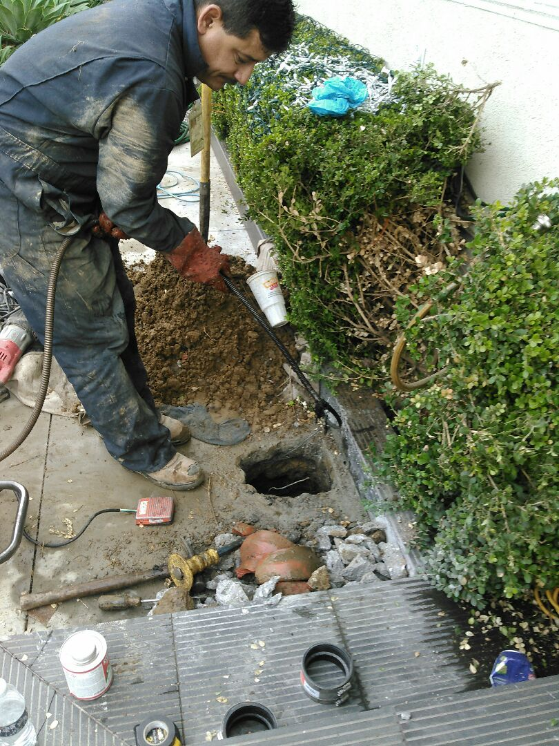 Studio City, CA - Sewer repairs and install main clean out