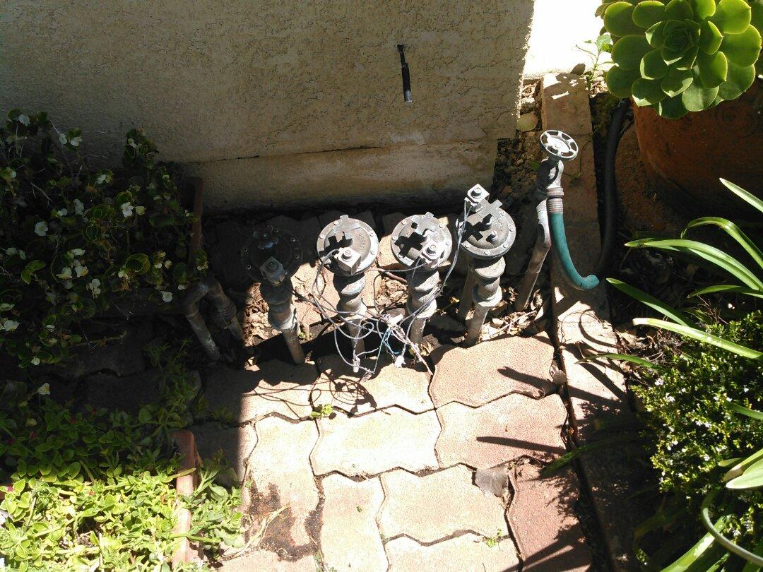 Los Angeles, CA - Sprinkler valves & actuators leaking.