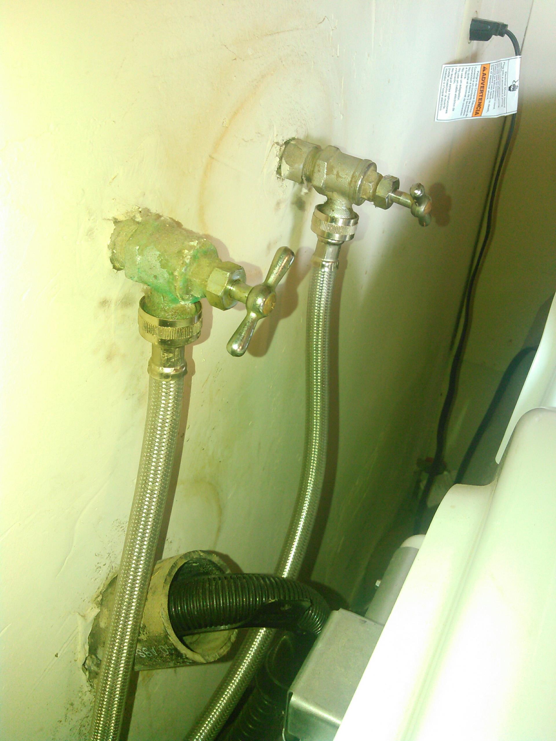 Washing machine hoses installed Correctly