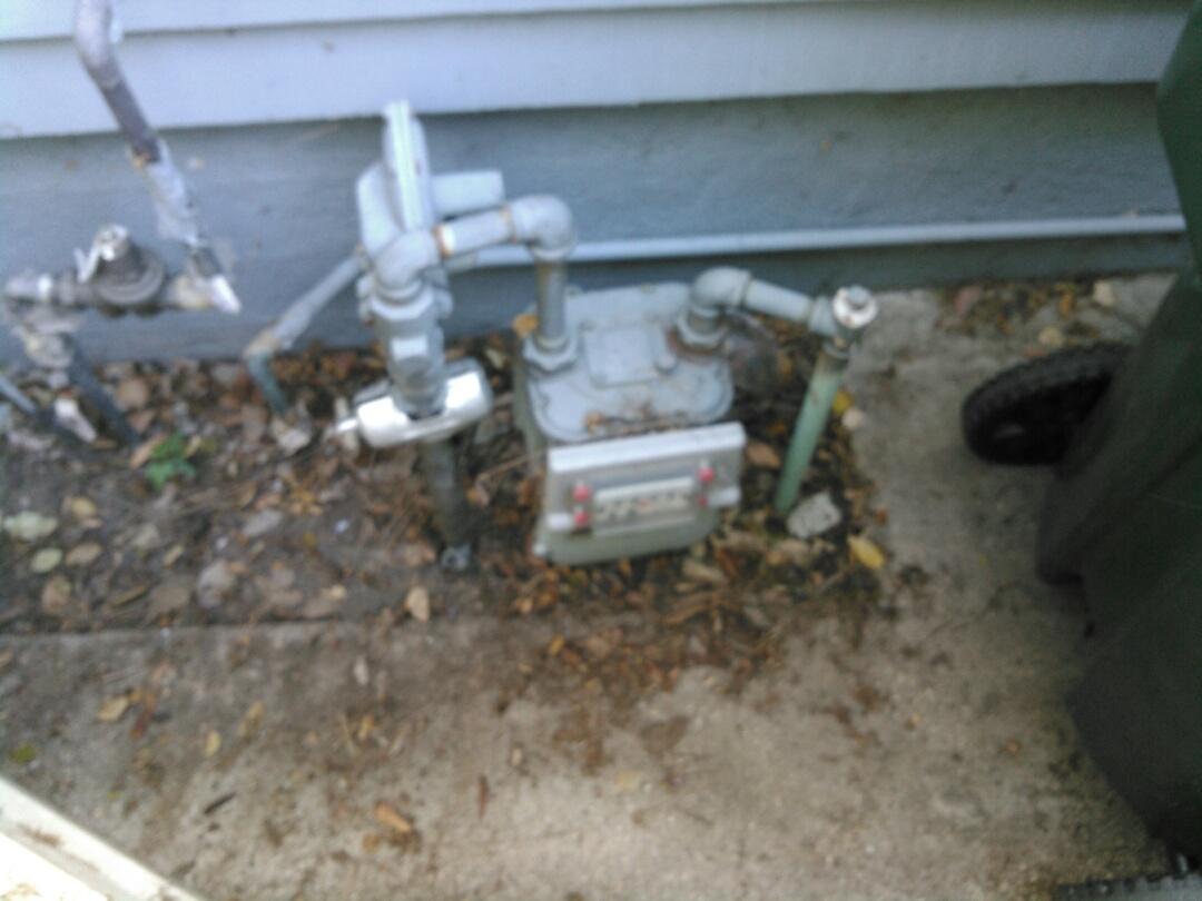 La Crescenta, CA - Gas leak.
