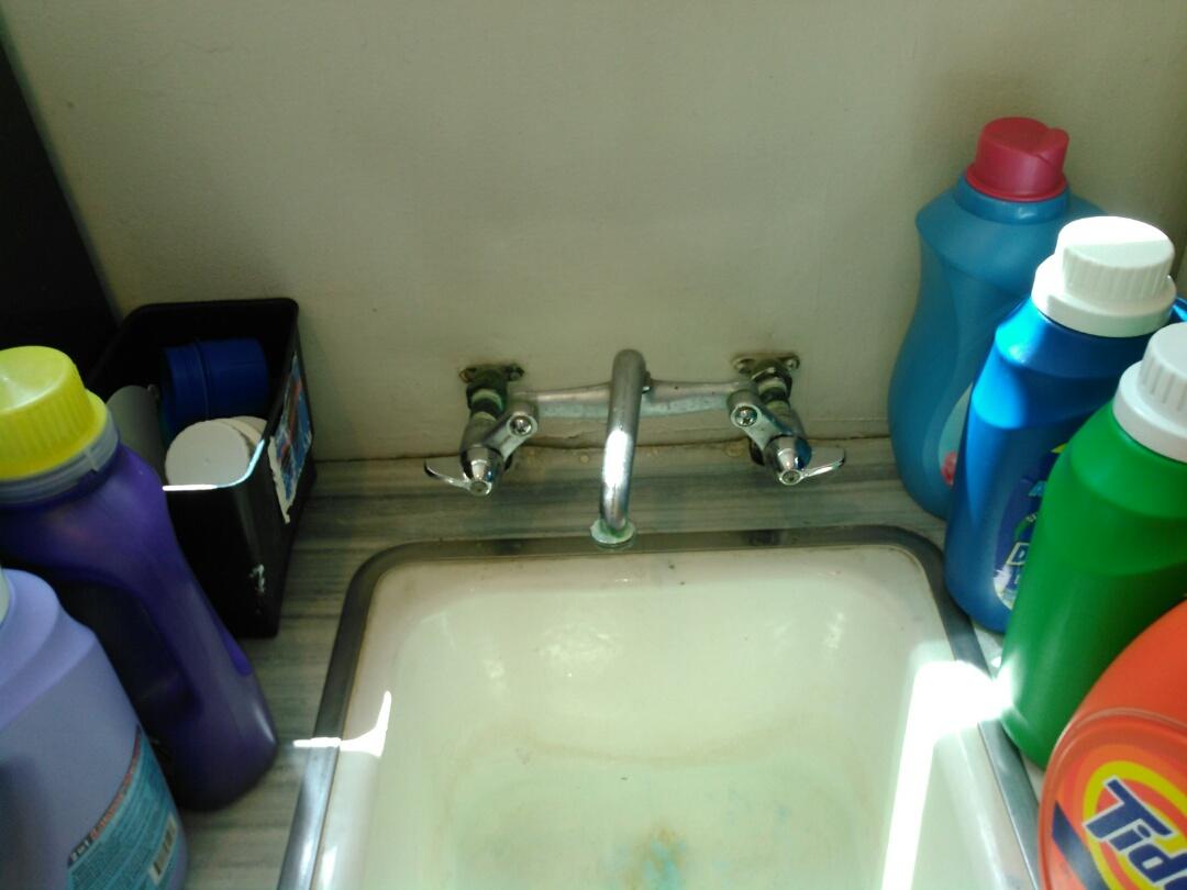 Los Angeles, CA - Faucet repair.