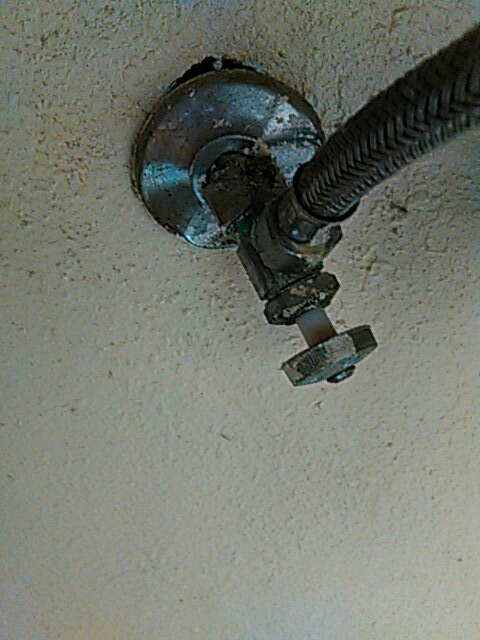 Pomona, CA - Angle stop repairu