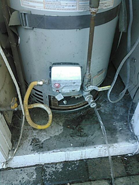 Los Angeles, CA - Water heater repair