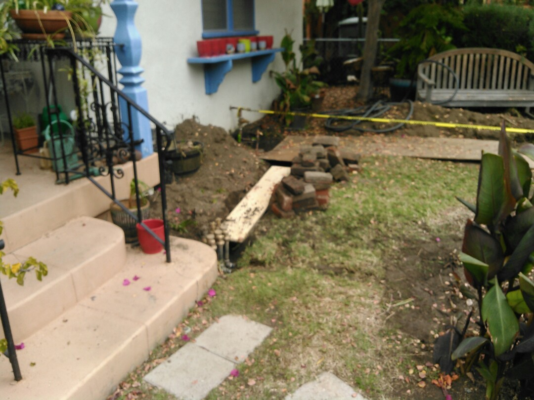 Glendale, CA - Replace water service.