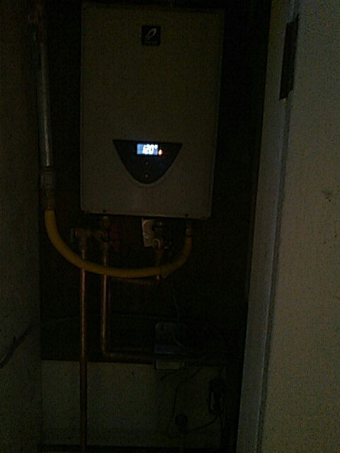 Manhattan Beach, CA - Tankless install