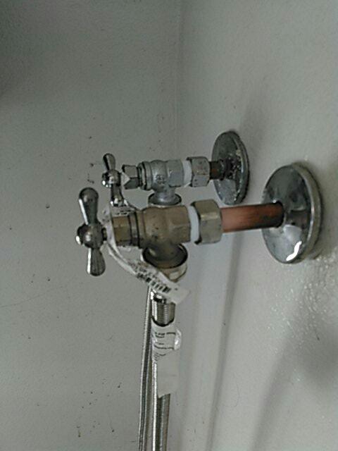 Montclair, CA - Washing machine bibb