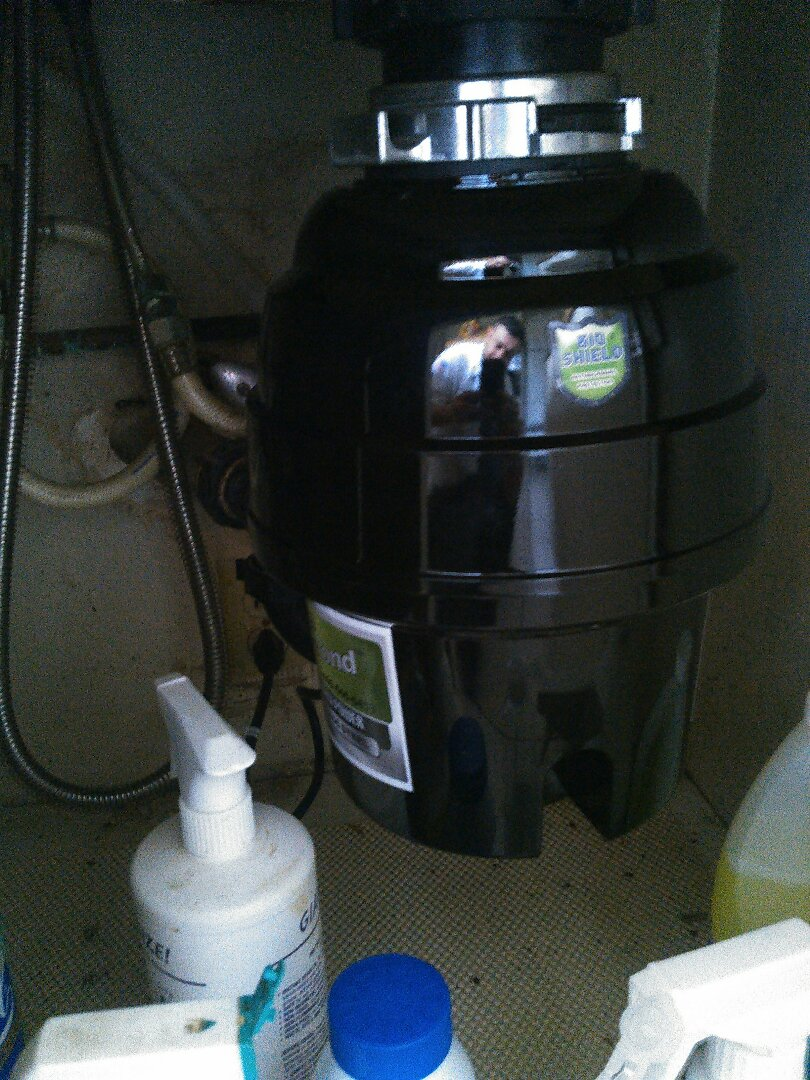 Santa Ana, CA - Perform hydro jetter on kitchen drain and replace garbage disposal