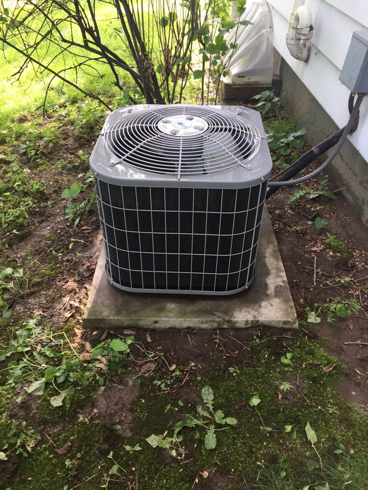 Fort Atkinson, WI - Performed air conditioner tune-up on a Carrier