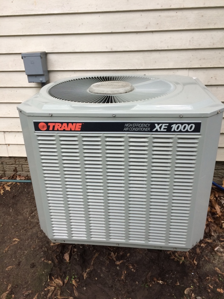 Beaver Dam, WI - Performed tune up of Trane air conditioner and Space pac high velocity air conditioner system.