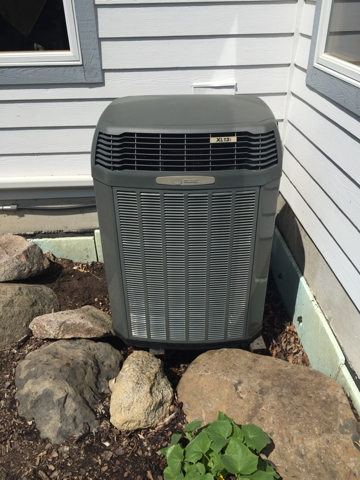 Delafield, WI - Performed air conditioner tune-up on a Trane