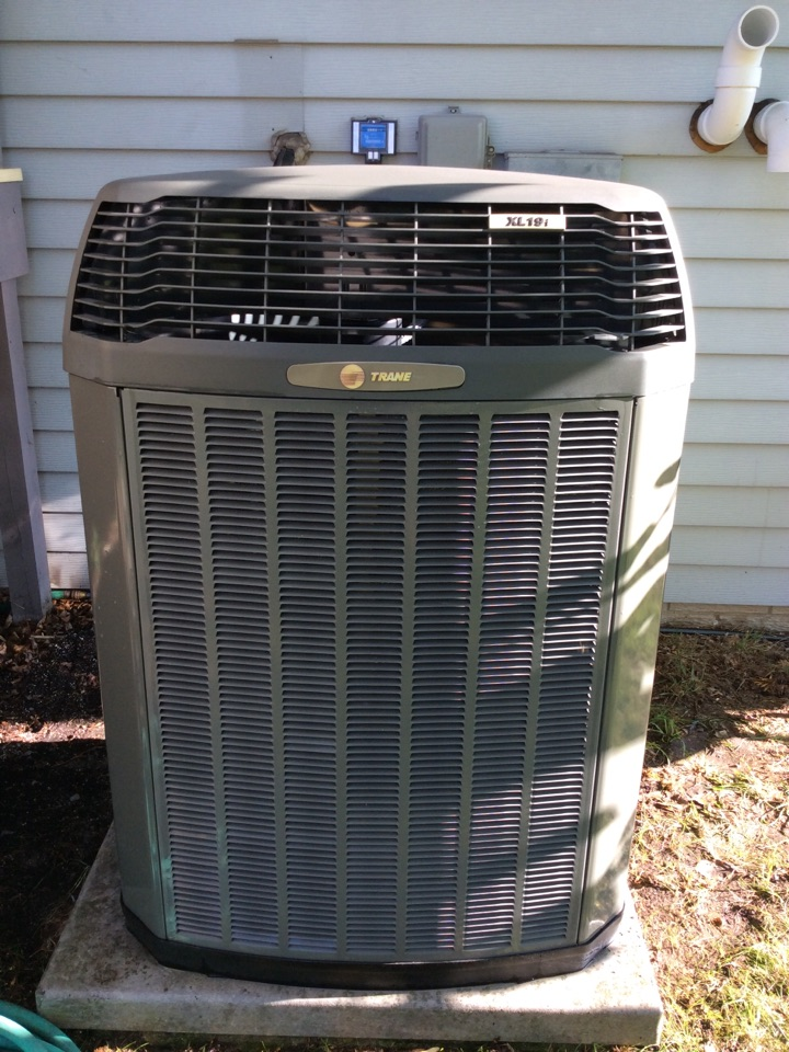 Reeseville, WI - Performed air conditioner tune-up on a Trane