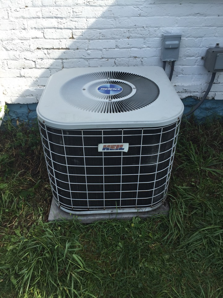 Sullivan, WI - Performed air conditioner tune-up on a Heil