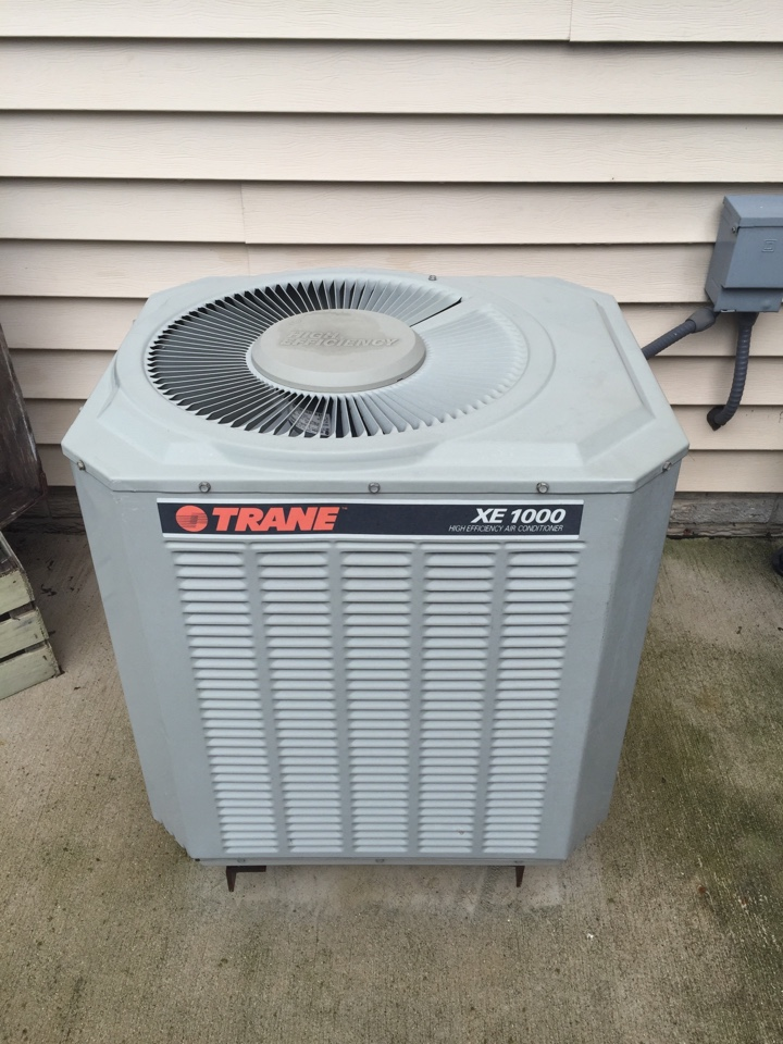 Sullivan, WI - Performed air conditioner tune-up on a Trane