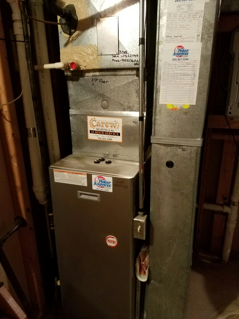 Oconomowoc, WI - Clean and check on a Payne furnace