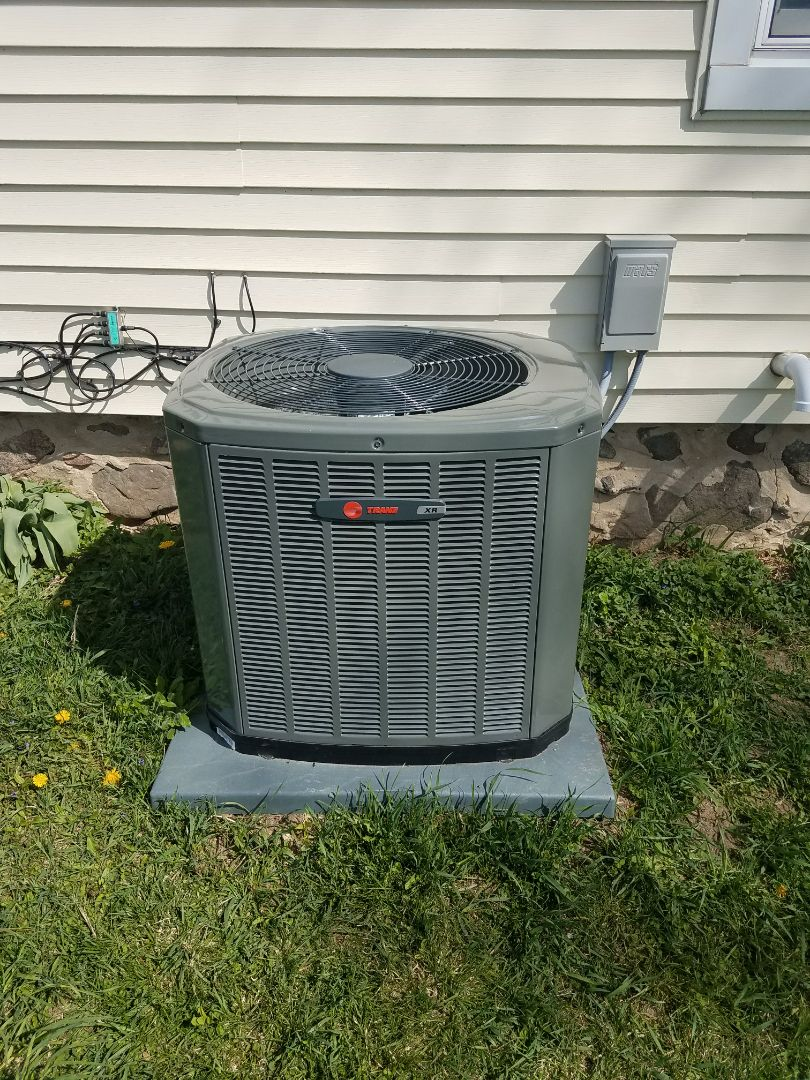 Ixonia, WI - Start up of a new Trane air conditioning system