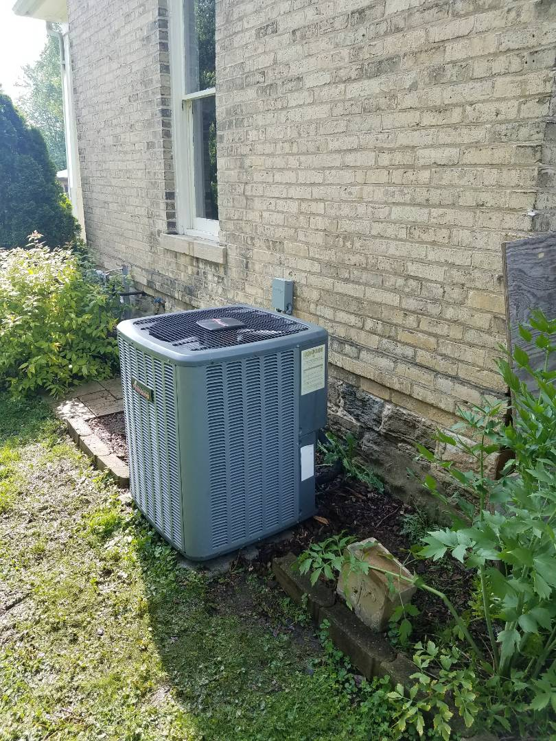 Jefferson, WI - AC maintenance.  Tune up on an Amana air conditioner