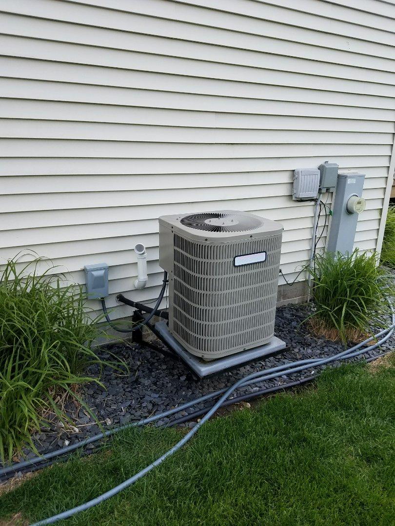 Johnson Creek, WI - AC maintenance. Tune up on a goodman air conditioner
