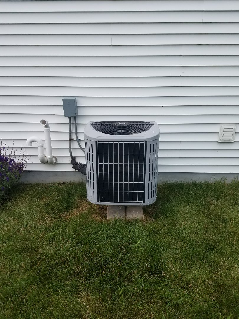 Lake Mills, WI - AC service.  Replacement of a capacitor on a carrier air conditioner
