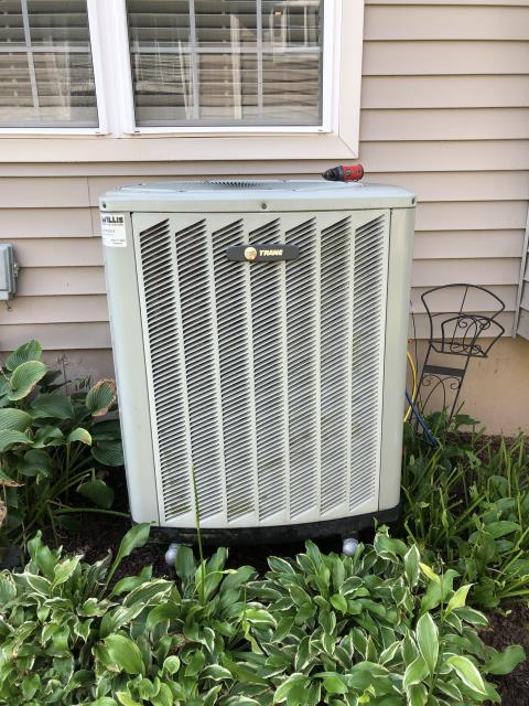 South Lebanon, OH - Performing our Five Star Tune-Up & Safety Check on a 2015 Trane  . All readings were within manufacturer's specifications, unit operating properly at this time.