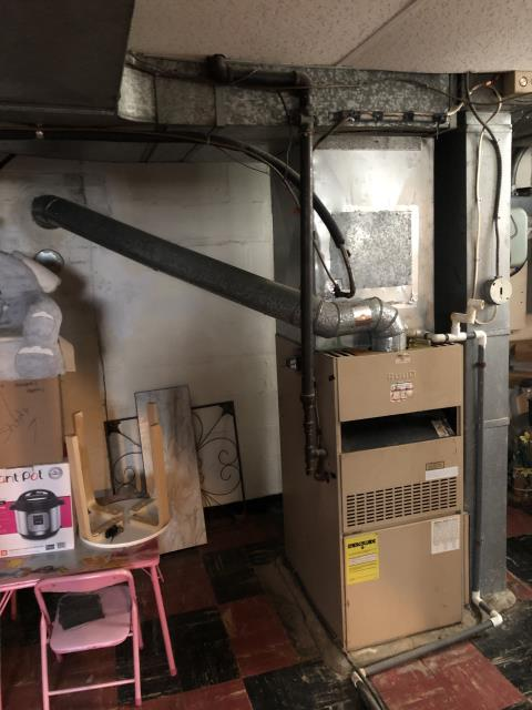 Cincinnati, OH - I am Performing our Five Star Tune-Up & Safety Check on a  York Gas Furnace.  All readings were within manufacturer's specifications, unit operating properly at this time.