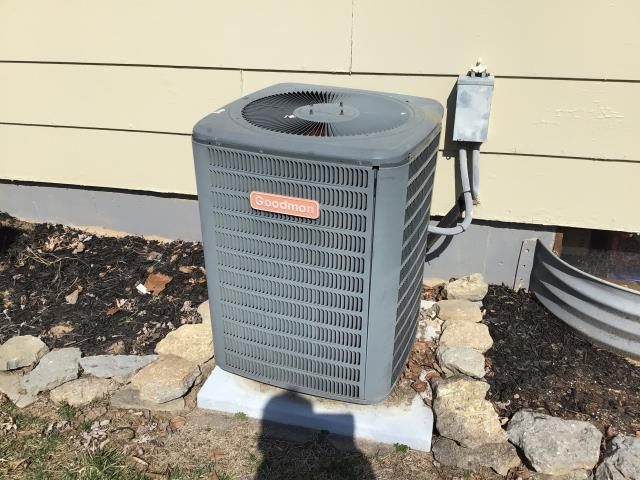 Fairfield, OH - I gave an estimate to replace a Goodman air conditioner.  I recommend replacing it with a Five Star 13 SEER 2 Ton Air Conditioner.  Included in the estimate is a 1 year free service maintenance agreement.