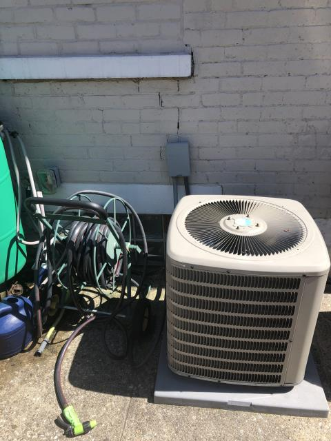 Cincinnati, OH - I completed the job specifications and measurements for replacing a GMC air conditioner to install a Five Star 13 SEER 3 Ton Air Conditioner. Once completed, the client has decided to move forward with the online estimate, and the Installation is scheduled for the following day.