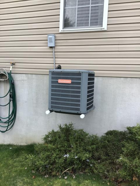 Lebanon, OH - Client requested an  estimate to replace a Goodman air conditioner.  I recommend replacing it with a Five Star 16 SEER 2 Ton Air Conditioner.  Included in the estimate is a 1 year free service maintenance agreement.