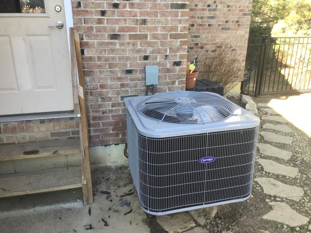 Maineville, OH - I returned to the customer's home to diagnose a Carrier 16 SEER 3 Ton Air Conditioner.  I found that the unit was extremely low on coolant so I added 5 lbs.