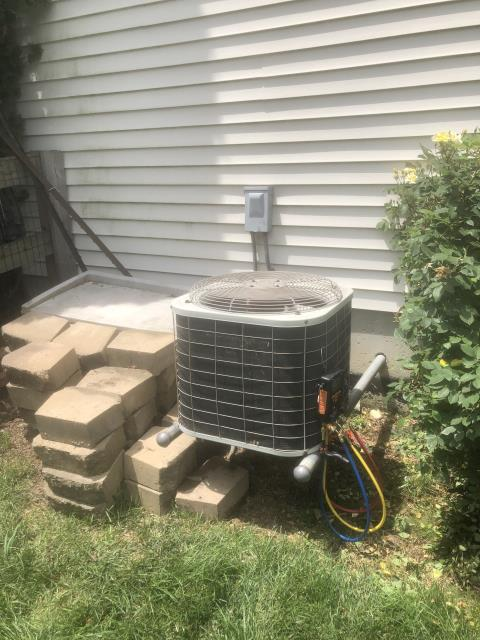 Maineville, OH - I performed a diagnostic on a Bryant air conditioner.  I found that the system has a leak so I added 2 lbs of R-22.  The system was cooling as intended when I left.