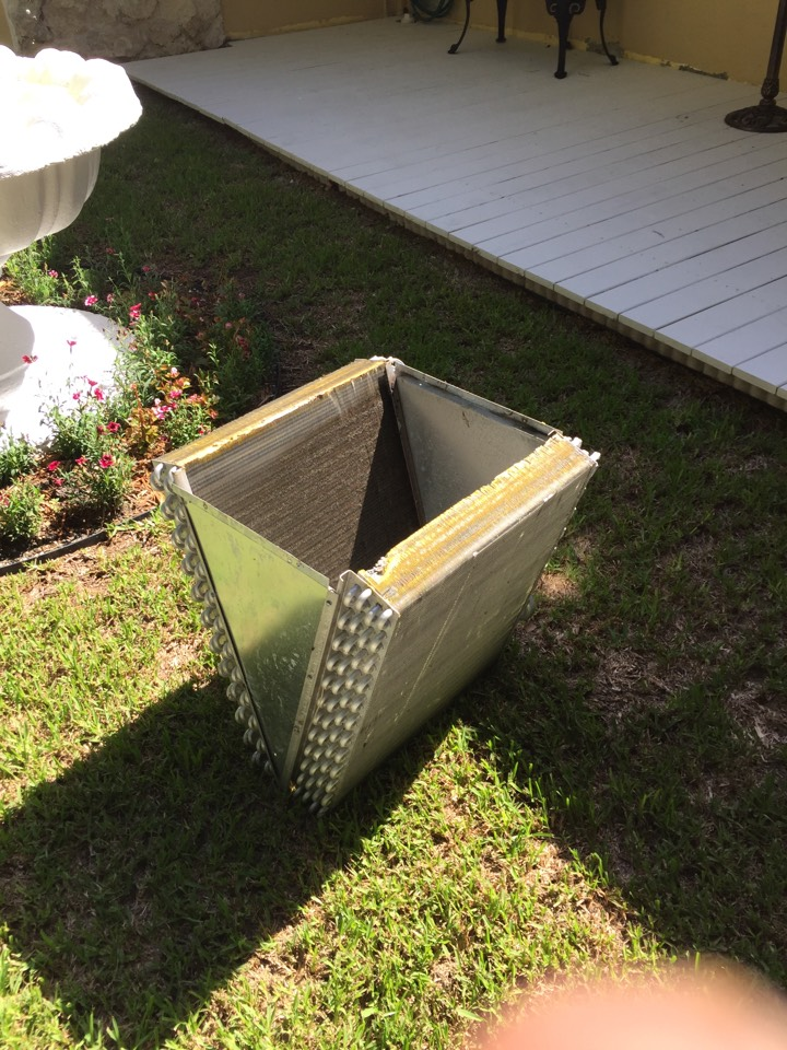 Pinecrest, FL - Replacing drain pan and doing coil clean on Trane unit