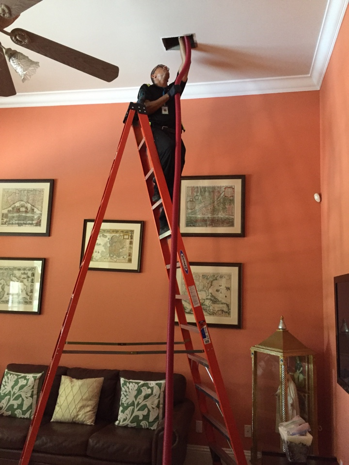 Pinecrest, FL - Doing a duct clean with the Brush-Beast
