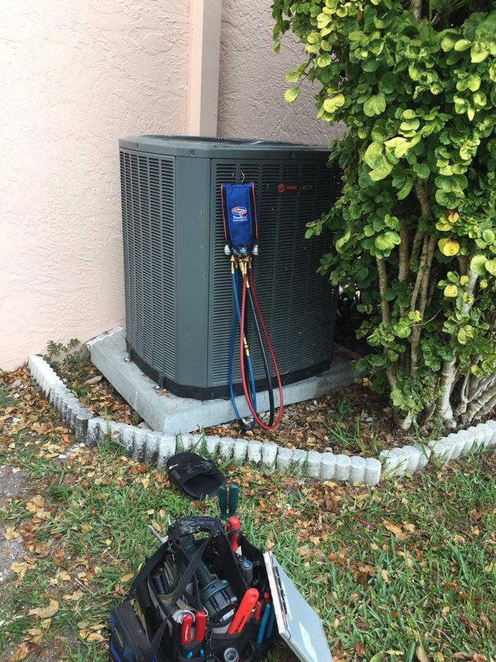 Homestead, FL - AC maintenance on a Trane XR14 system