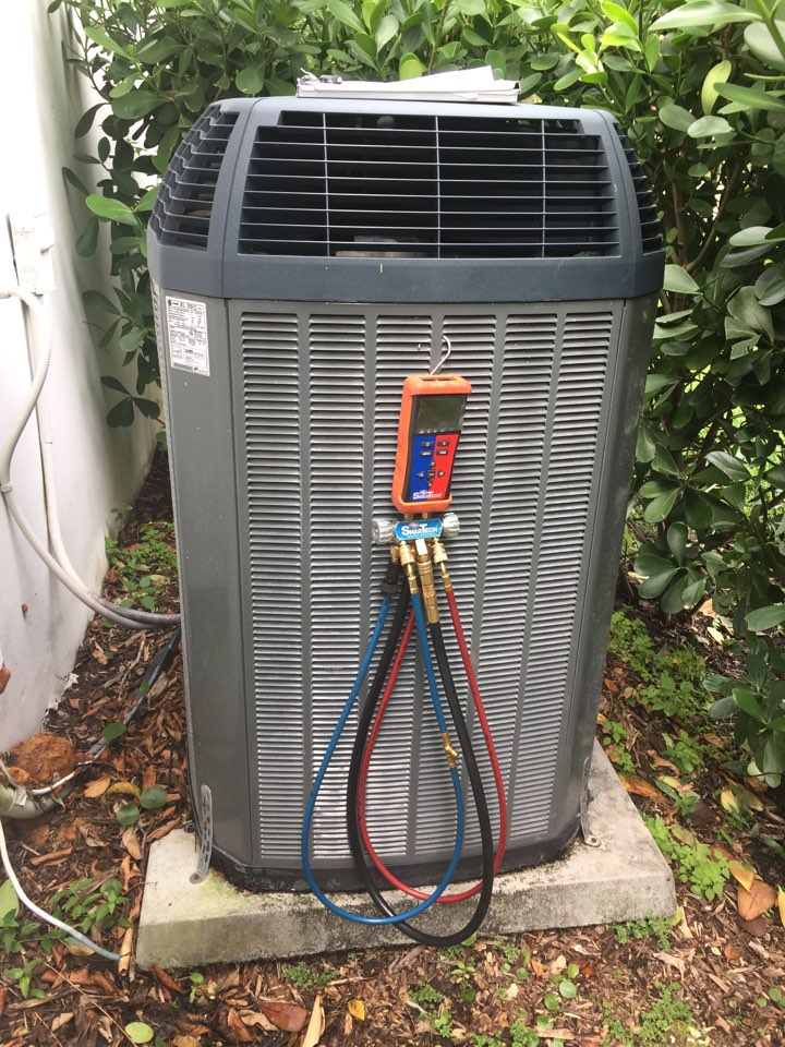 Pinecrest, FL - AC diagnostic on a Trane XL20i system