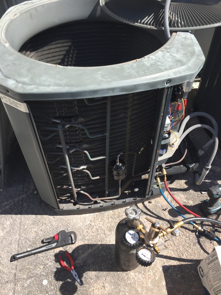 Coral Gables, FL - AC compressor replacement on a Trane XR13