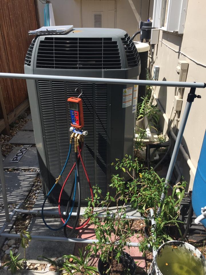 Miami, FL - AC tuneup on a Trane XL20i system