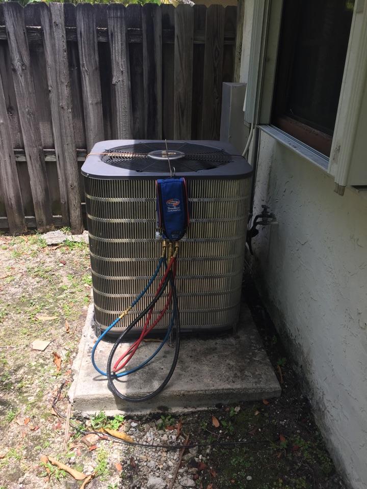 Miami, FL - AC tuneup on a 2.5ton Maytag system
