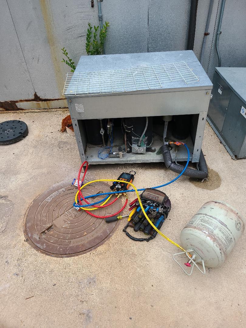 Georgetown, TX - Repairing walkin cooler in Sun City