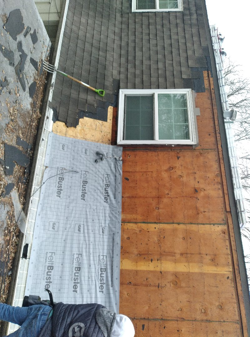 Shawnee, KS - We are doing some excellent work in shawnee Kansas! Applying a GAF HDZ roofing system! We are GAF certified installers, and offer warranties that most companies can't even offer.